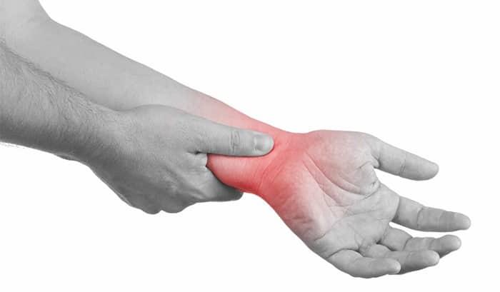 biến chứng trật khớp cổ tay